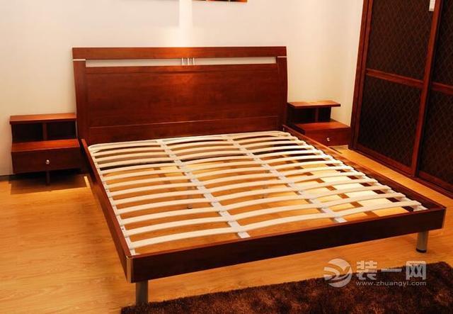 看過麼?排骨架and床板哪個好?排骨架搭配哪種床墊比較牢靠 - 每日頭條