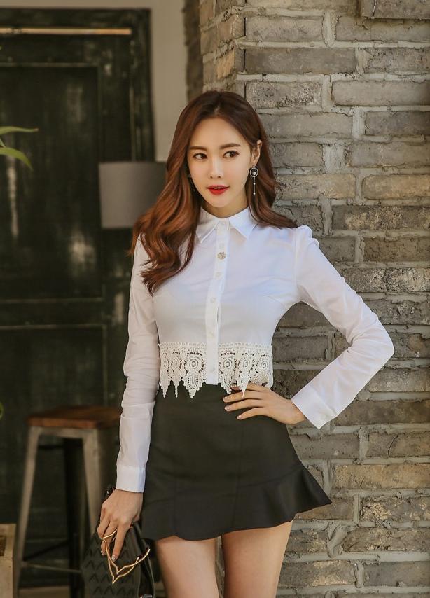 白色上衣搭配黑色短裙 - 每日頭條