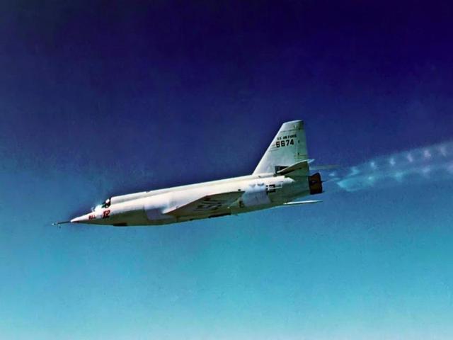 速度與激情丨盤點世界上九大速度最快的飛機 - 每日頭條