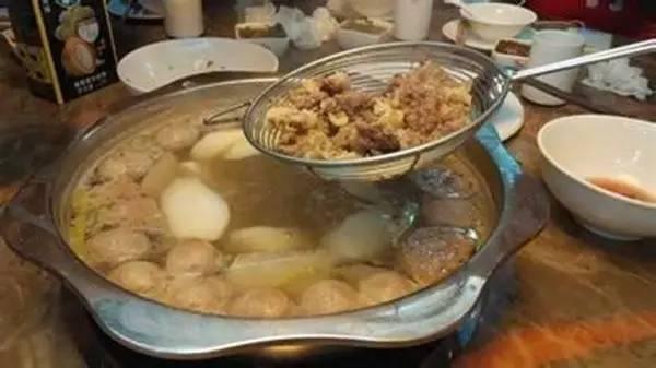 吃貨雷達 潮汕牛肉火鍋紅遍京城。在這兒吃掉一頭牛攏共分幾步? - 每日頭條