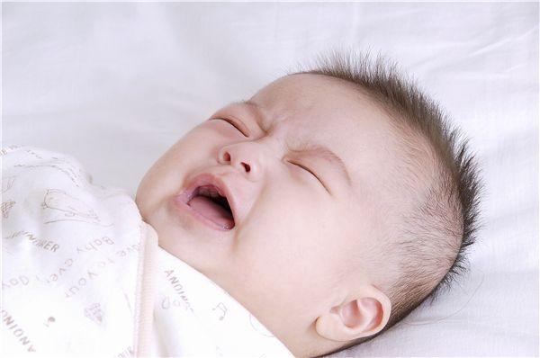 寶寶哭鬧不止怎麼辦?破解嬰兒哭鬧的10種原因。趕快收藏! - 每日頭條