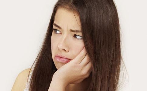 經期頭痛怎麼辦 這些竅門緩解經期頭疼 - 每日頭條