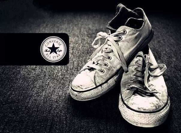 乾洗店推薦的小白鞋清洗方法,親自測試後,效果還不錯,推薦收藏 - 每日頭條