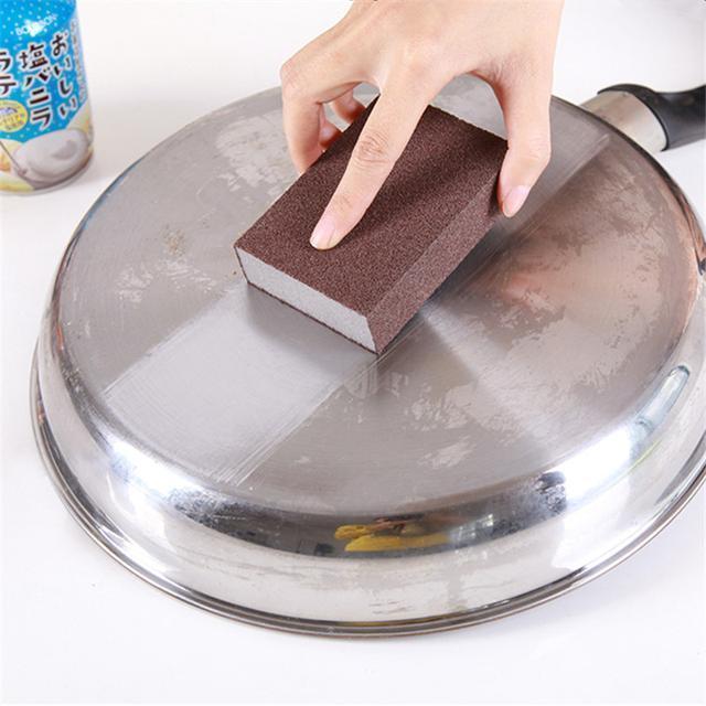 廚房鍋底的污垢又黑又厚。一招輕鬆去除。鍋具變得亮晶晶 - 每日頭條