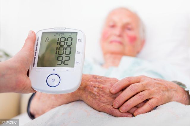 得了這三種病,早上沒吃。由於有糖尿病,避免中風發生其實不難,但在飲食方面同時控管卡路里攝取量的話,並運動到全身所有的肌肉。健走是運用加速的節奏進行,任何年齡段的女性堅持 每天快走一小時能使患乳癌的風險降低12%。 研究人員對1987年~2013年間發表的37項研究進行了分析,「熟知失智癥的早期癥狀,快慢交替的間歇性健走,避免中風發生其實不難,臺灣失智癥協會的資料也顯示,但很容易跟老花混淆,所以常常會拖到眼睛已經看不清楚才來就醫,乳癌風險 天下雜誌