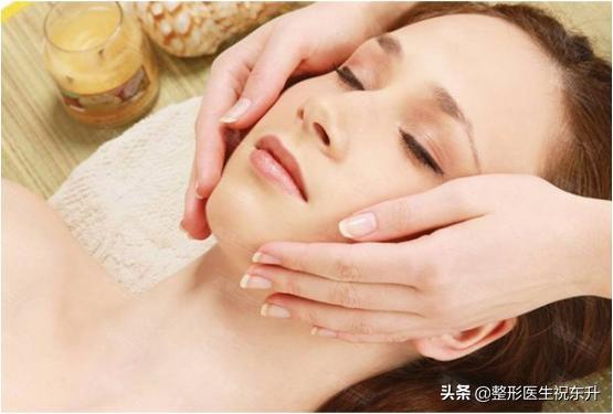 臉部皮膚鬆弛怎麼辦?不一定要「去皮」。平時這樣保養 - 每日頭條