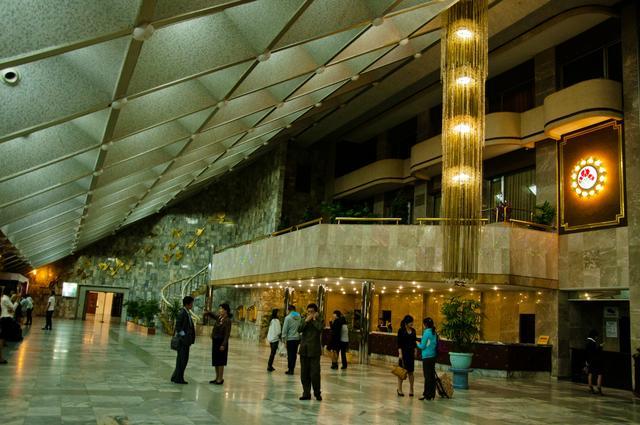實拍:朝鮮國內最高星級酒店——設有娛樂場所和小賭場 - 每日頭條