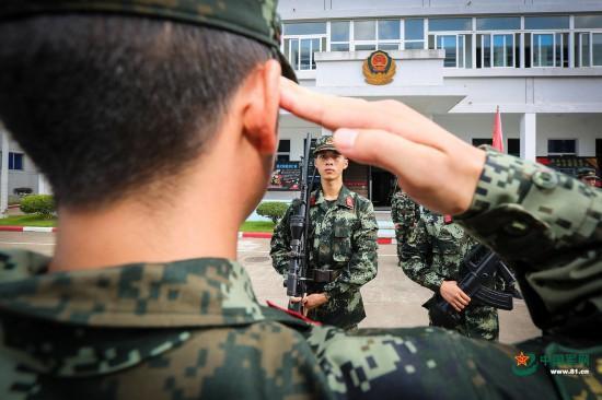 只因這面軍旗 脫下軍裝卻脫不掉軍人本色 - 每日頭條