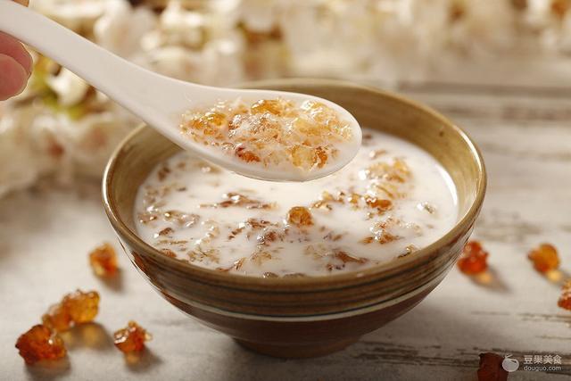 桃膠燉奶的做法 - 每日頭條