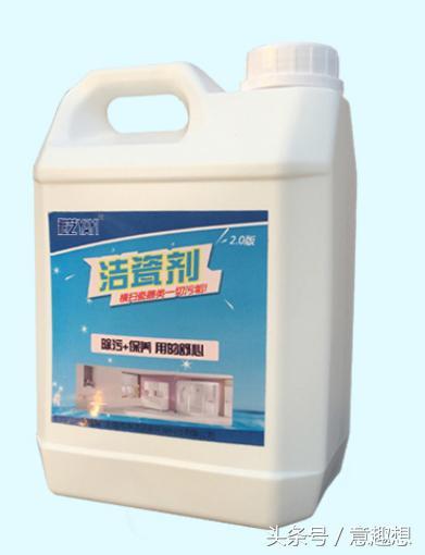 廚房瓷磚油膩噁心難清潔。教你一個使用的土方法。不花錢還你潔白瓷磚 - 每日頭條