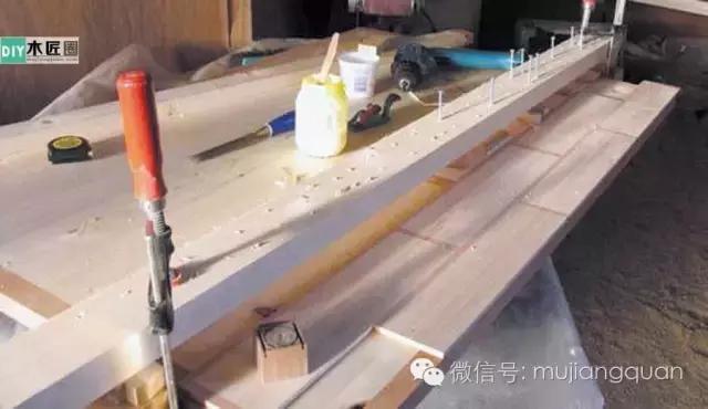 傳統的刮磨工藝。怎樣用多塊木板拼製成個性實木桌面 - 每日頭條