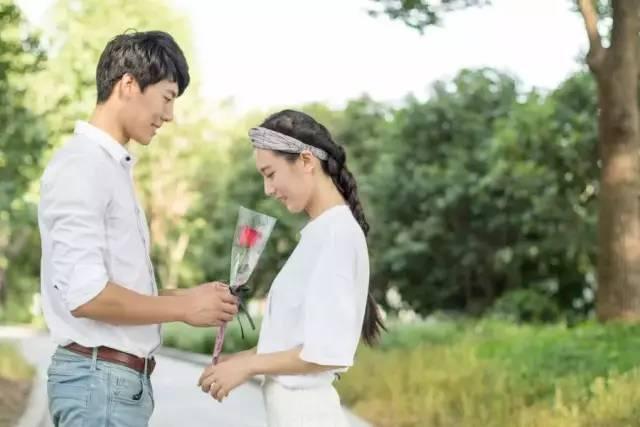 為什麼太黏人的女人不容易幸福?愛情里。過度的依賴也是一種傷害 - 每日頭條