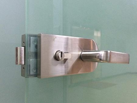 玻璃門鎖哪種好 家用門鎖種類 - 每日頭條