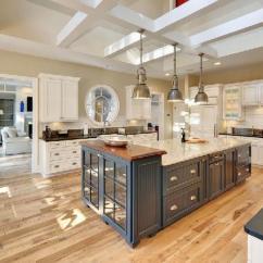 Kitchen Island With Range Kohler Cast Iron Sink 高逼格厨房宝典 带你了解岛台的四大功能 每日头条 在较大的l型厨房中 岛台还起到一个过渡衔接的作用 而且可以增加料理的空间范围 让更多人参与进来