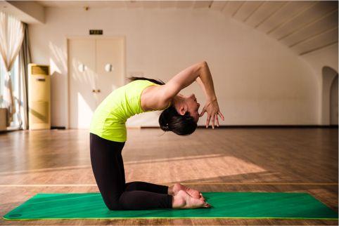 長期堅持練瑜伽的女生有什麼特點? 對女生的好處有哪些? - 每日頭條