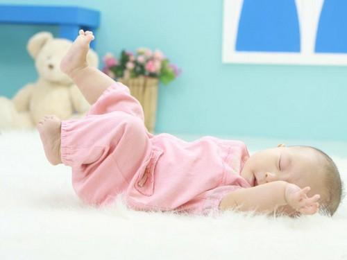剛出生的寶寶喉嚨有痰。鼻子不通氣怎麼辦? - 每日頭條