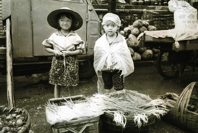 晚清老照片:百年前的窮人生活是這樣子。看著讓人莫名流淚。心酸 - 每日頭條