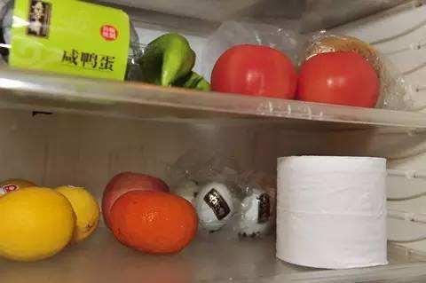 冰箱異味別煩惱。只需幾個常見的東西。輕輕鬆鬆除異味 - 每日頭條