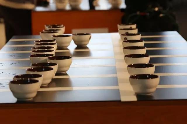 透過科學原理用杯測將咖啡豆分級 - 每日頭條