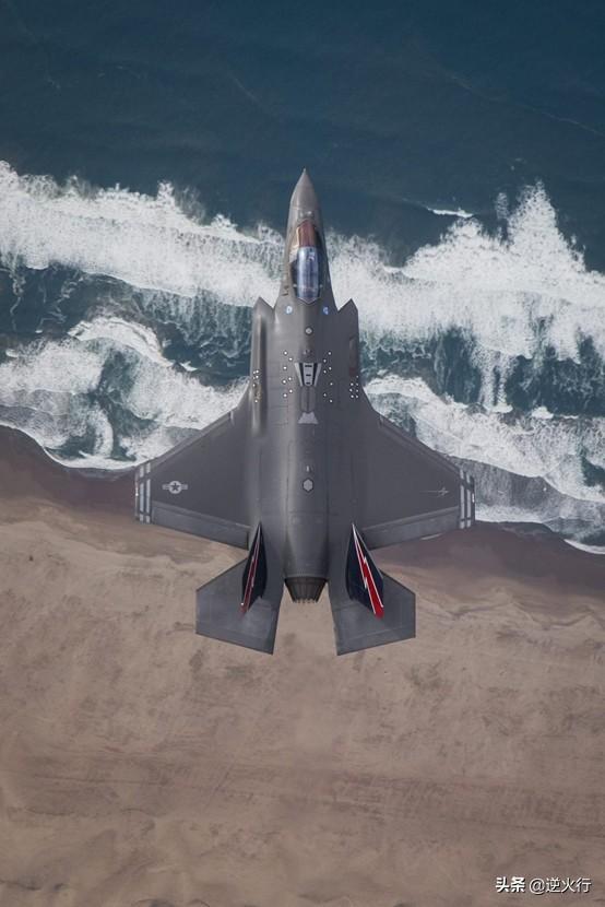 日本墜的F35到底歸誰 飛機掉在公海上 誰撈到歸誰,俄羅斯很積極 - 每日頭條