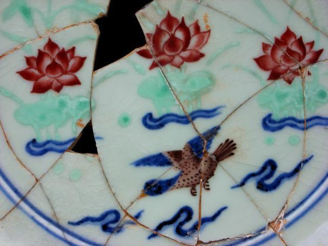 深度揭秘。宣德青花五彩瓷器文物如何鑑定|瓷器鑑定真知堂 - 每日頭條