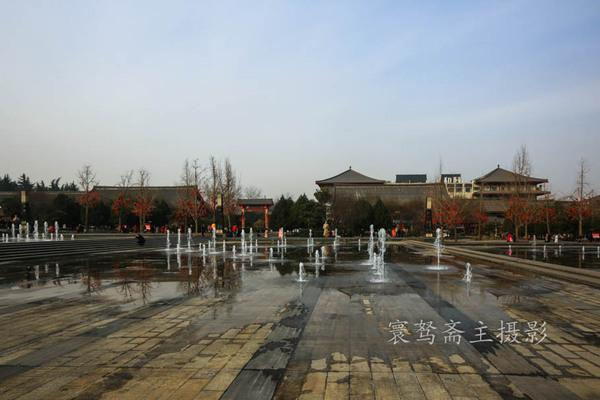 西安之行:在大雁塔音樂廣場欣賞一場完美的聲光水色盛宴 - 每日頭條