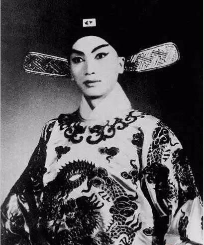 法國外交官布爾西科娶中國男子時佩璞為妻真相揭秘 - 每日頭條