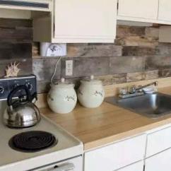 Kitchen Backsplash Design Makeover Ideas 你真的有好好对待你的厨房么 厨房也给设计的好点 每日头条 厨房墙面的后挡板 是为了维护墙面不被水槽和炉灶等厨房用具弄脏儿规划的防护层