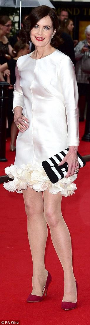 唐頓莊園主創現代裝走紅毯 接受BAFTA獎項 - 每日頭條