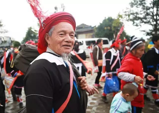 民族系列美食——瑤族長茅粽 - 每日頭條