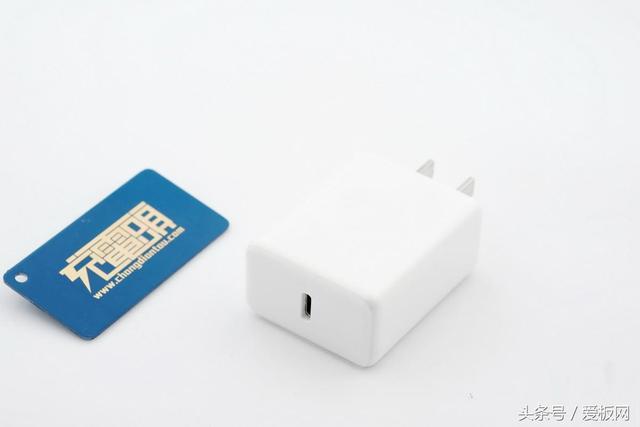 拆解堅果QC4+充電器:充電電壓可超出標稱18W - 每日頭條