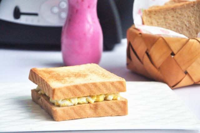 夏天就應該吃這樣的低熱量健康早餐。天然麥香。口味清爽! - 每日頭條