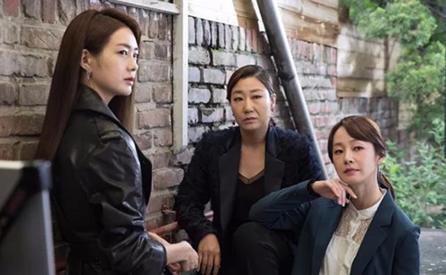 《付巖洞復仇者們》秋季檔最佳韓劇。失意少婦組團復仇讓我笑出淚 - 每日頭條