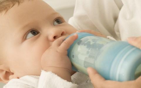 【寶寶厭奶期怎麼辦】寶寶厭奶期癥狀 - 每日頭條
