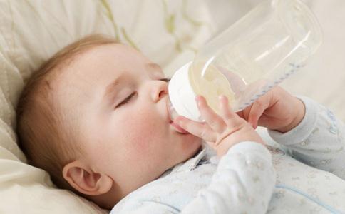 寶寶一天吃多少奶粉 寶寶吃奶量參考 - 每日頭條