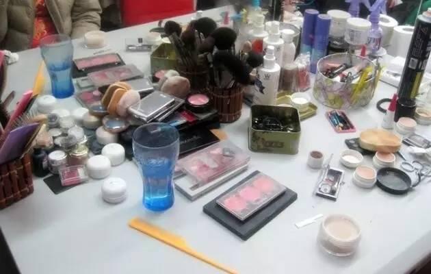 化妝品成分主要有哪些 為您揭秘化妝品中的有害成分 - 每日頭條
