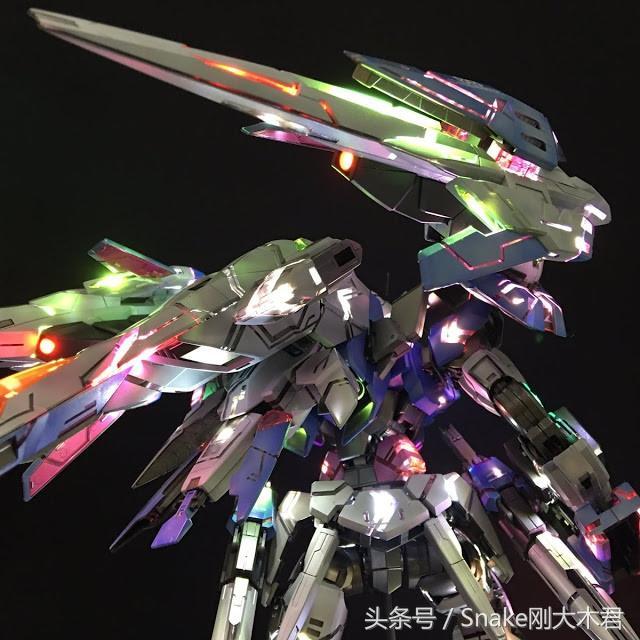 精華!GUNPLA 模型LED發光技術發展史!我的高達會發光! - 每日頭條