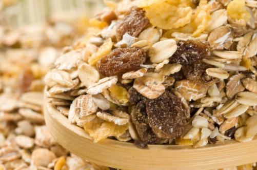 晚上吃燕麥片會胖嗎 燕麥片是高熱量食物嗎 - 每日頭條