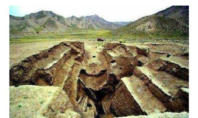 九層妖塔竟然是真的。考古學家僅進入前兩層。剩下七層沒敢挖 - 每日頭條
