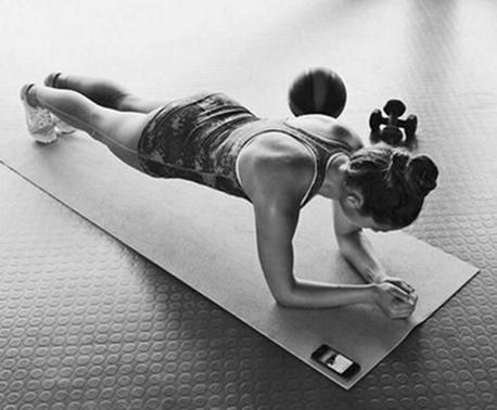 最鍛鍊全身又最不花錢的運動——平板撐 - 每日頭條