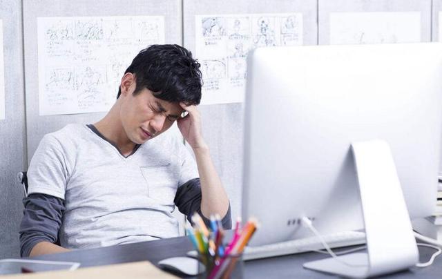 頭痛忍一忍絕不會過去。積攢的病痛一朝爆發便難以再招架! - 每日頭條