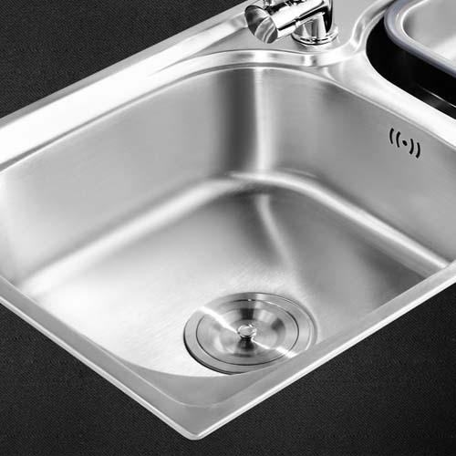 vintage kitchen sink small pantry cabinet 老式的水槽过时了 厨房就该用304不锈钢水槽 省时省力易清洁 每日头条