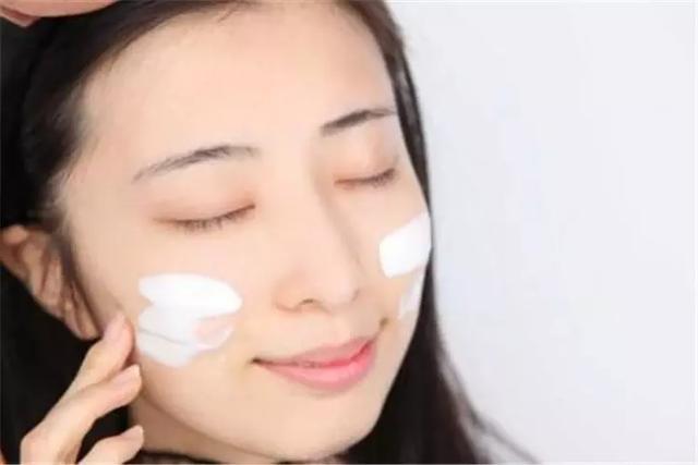 3個不起眼的化妝習慣,妝容精緻,皮膚好 - 每日頭條