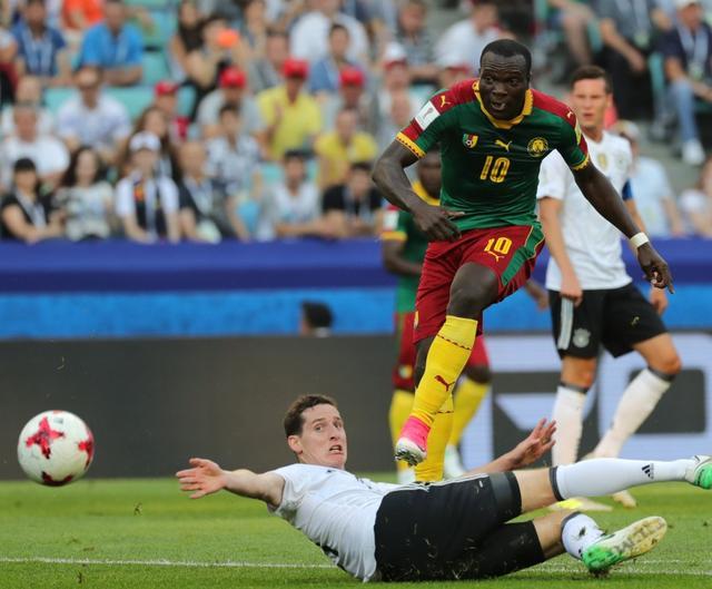 足球——聯合會杯:德國勝喀麥隆 - 每日頭條