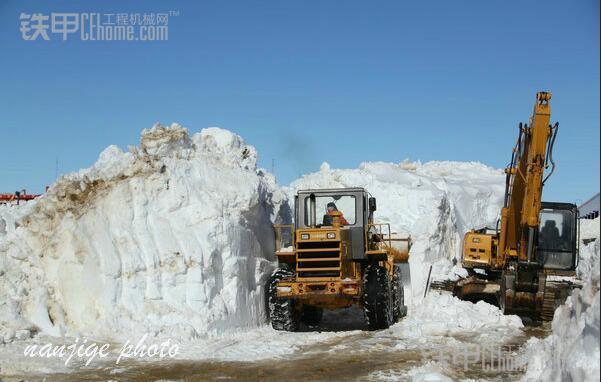挖掘機在陡坡等工況施工 作業要領和注意事項 - 每日頭條