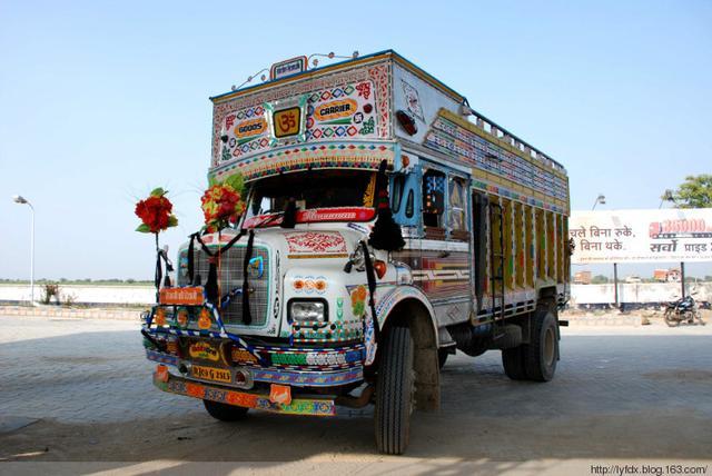 印度的大貨車長這樣,你見過嗎? - 每日頭條