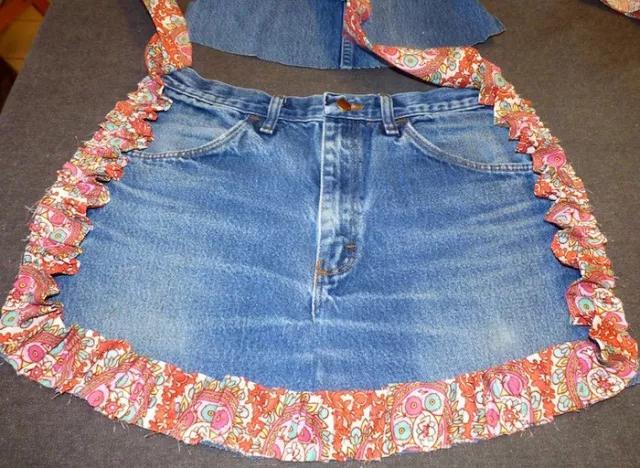 她用家裡的舊牛仔。改造成了圍裙。比買的還要好看幾倍!附教程 - 每日頭條