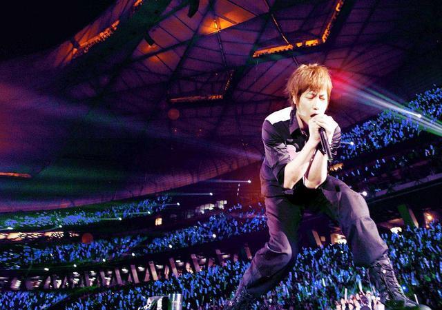 五月天阿信展開全新。新加坡巡演唱會。值得我們期待 - 每日頭條