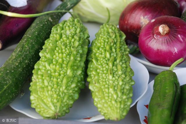 吃苦瓜有很多好處。但是這幾類人不宜食用 - 每日頭條