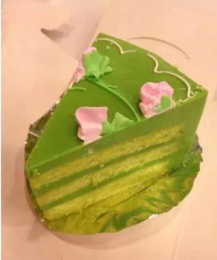 在新加坡一定要嘗嘗斑蘭蛋糕,被評為全球第四美味的蛋糕! - 每日頭條